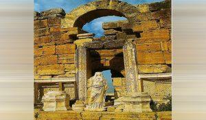 इस मंदिर का दरवाजा कहलाता है 'नर्क का द्वार', आदमी हो या जानवर अंदर जाने वाला लौट कर नहीं आता