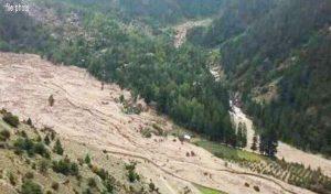 Lahaul-Spiti में बादल फटने से बह गई सड़क, मनाली-लेह मार्ग पर Landslide