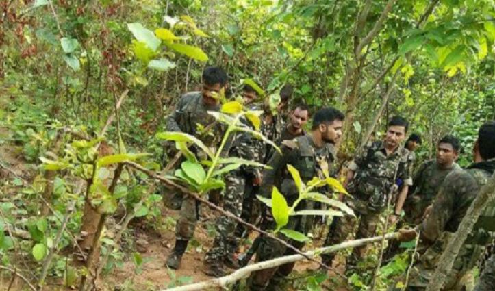 Chhattisgarh: सुरक्षाबलों ने मार गिराए 4 नक्सली, हथियार और नक्सल सामग्री बरामद