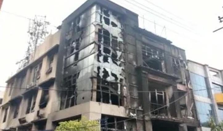 बॉल पेन बनाने वाली Factory में भड़की आग, Security Guard जिंदा जला