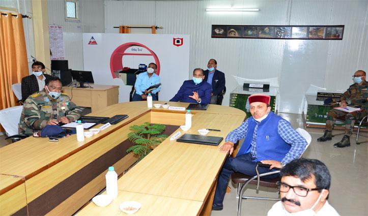 CM Jairam ने अटल टनल निरीक्षण कर कार्य में शीघ्रता लाने को कहा
