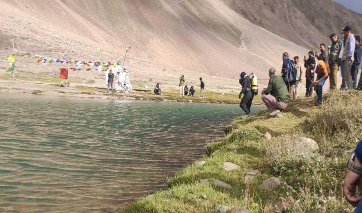 गोताखोरों ने चन्द्रताल झील में डूबे Manali के युवक का शव निकाला