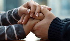 पुराने रिश्ते की बुरी यादें भूलने में ऐसे करें पार्टनर की मदद