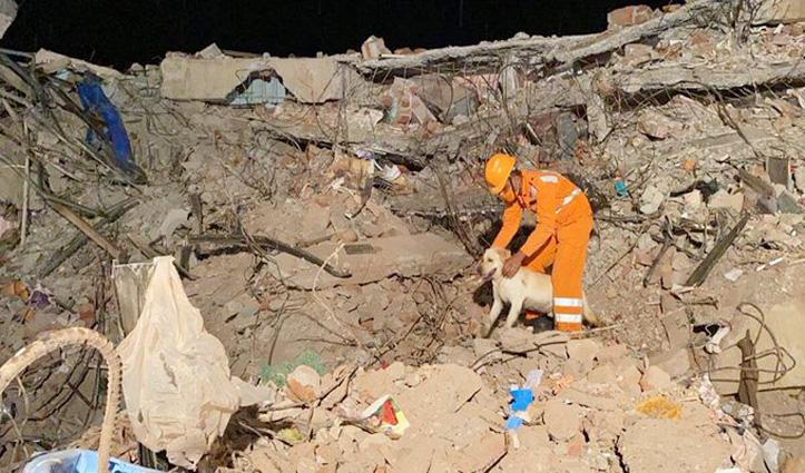 Maharashtra : रायगढ़ में इमारत ढहने से दो की मौत, 18 अभी भी फंसे