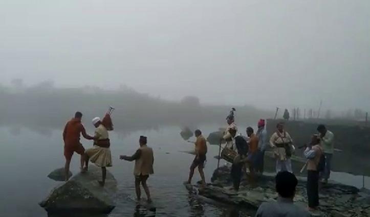 Manimahesh यात्रा पर रहा Corona का साया, शाही न्हौण में कम संख्या में जुटे भक्त