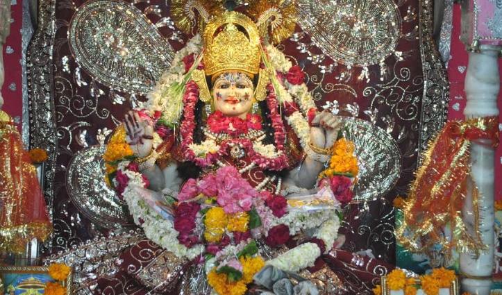 भारत के इस मंदिर में होते हैं चमत्कार, रात को आपस में बात करती हैं मूर्तियां