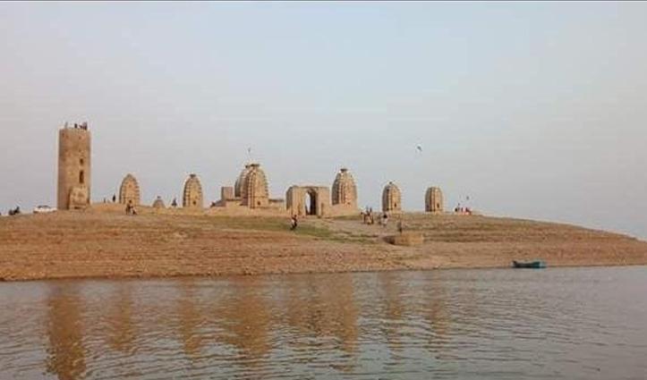 Himachal के इस जिला में एक ऐसा मंदिर जो साल के आठ माह रहता है अदृश्य