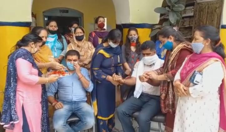 BJP महिला मोर्चा ने सदर थाना पहुंच कोरोना योद्धाओं को बांधी राखियां, बेहतर काम को भी सराहा