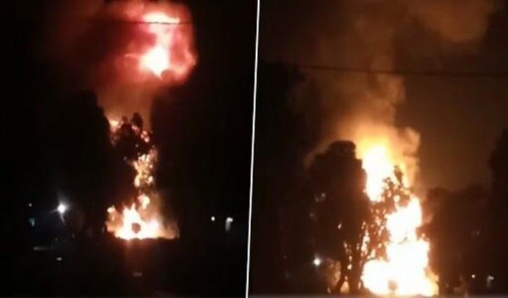 LPG सिलेडरों से भरे ट्रक में लगी आग, हुए कई धमाके; सामने आया #Video