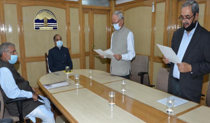देवेंद्र कुमार शर्मा ने #Himachal विद्युत नियामक आयोग के अध्यक्ष पद की शपथ ली
