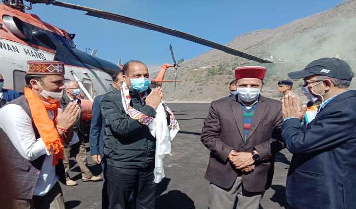 #PM_Modi का दौरा : तैयारियों का जायजा लेने सिस्सू पहुंचे CM Jai Ram, अटल टनल में जाने के लिए करना पड़ा ये काम