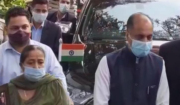 कीर्ति चक्र लौटाने राजभवन पहुंचा शहीद का परिवार, वादाखिलाफी का आरोप