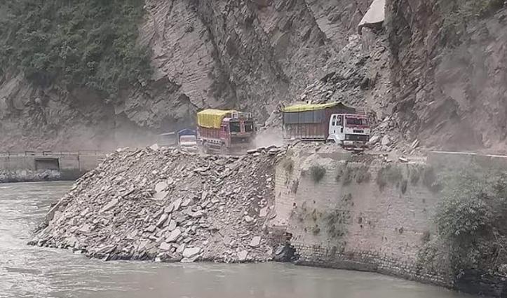 #Mandi: चंडीगढ़-मनाली एनएच यातायात के लिए हुआ बहाल, 40 घंटों बाद मिली सफलता