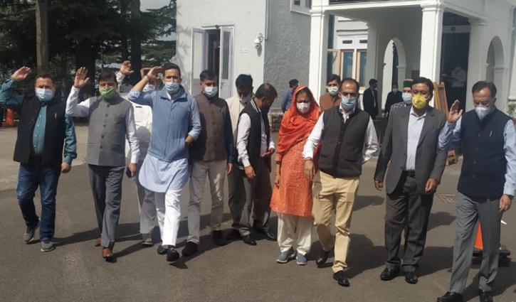 #Monsoon_Session कांग्रेस के कड़े तेवर, सदन से वॉकआउट- सिंघा का भी मिला साथ