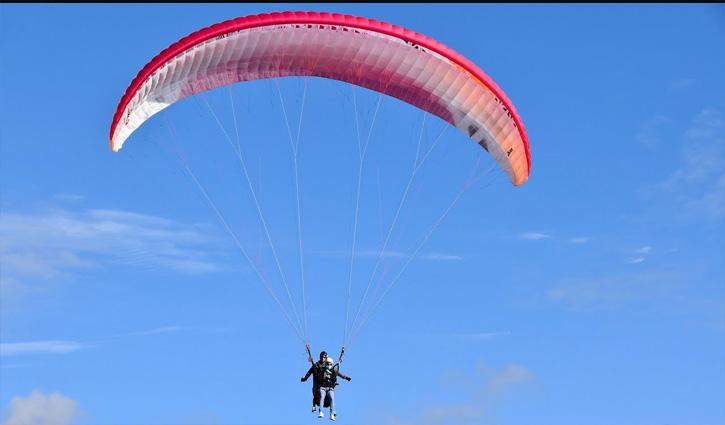 Himachal में आज से आसमान में दिखे मानव परिंदे, दो माह से बंद #Paragliding शुरू