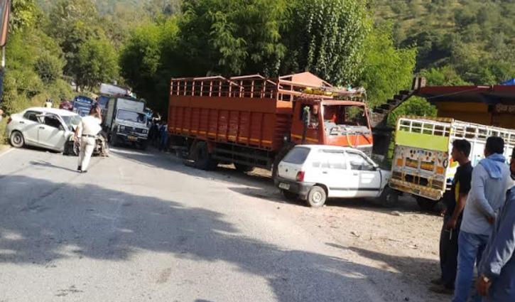 Sundernagar: चंडीगढ़-मनाली एनएच पर टेंपो-कार में टक्कर, चार Tourist घायल