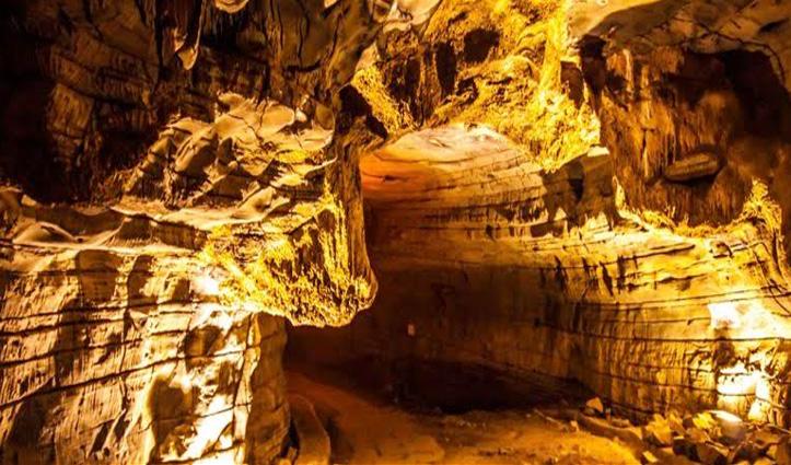 इस गुफा में छिपा है करोड़ों टन सोना, आज तक कोई नहीं सुलझा पाया खजाने का रहस्य