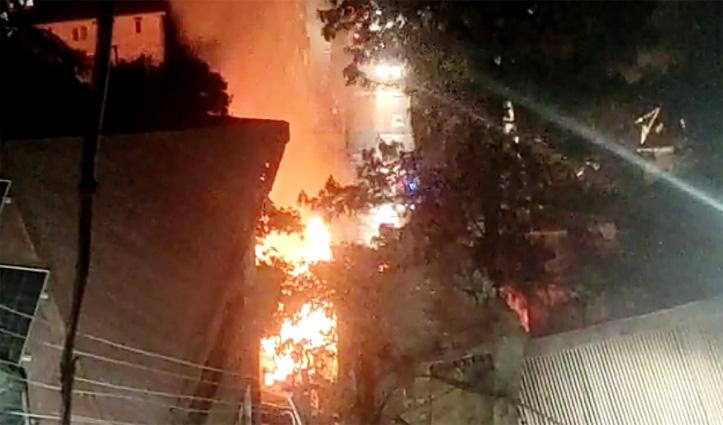 #Shimla : कैपिटल होटल के Top Floor में लगी भयंकर आग, तीन कमरे जलकर राख
