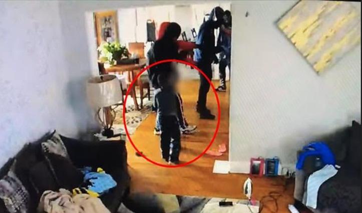 परिवार को बचाने के लिए बंदूकधारी हमलावरों से भिड़ गया पांच साल का बच्चा, देखिए Video