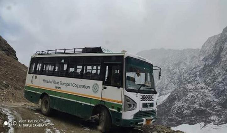 साच-पास दर्रे में सीजन का पहला Snowfall, किलाड़- Chamba मार्ग पर इस साल की अंतिम Bus दौड़ी