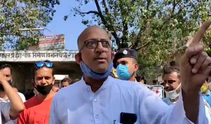 Himachal के इस विधायक की दादागिरी, आखिर किसको मारेंगे जूतियां- दी धमकी