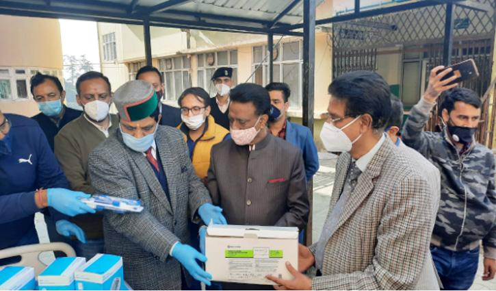 #Shimla: हिमाचल कांग्रेस ने IGMC अस्पताल में डोनेट किए स्वास्थ्य उपकरण, मरीजों को मिलेगा लाभ