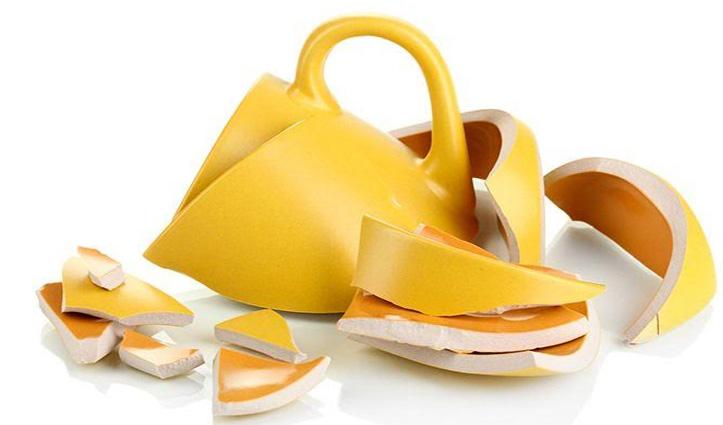 #Kitchen में कभी ना रखें टूटी क्रॉकरी नहीं तो घर में बढे़गा कलह-कलेश