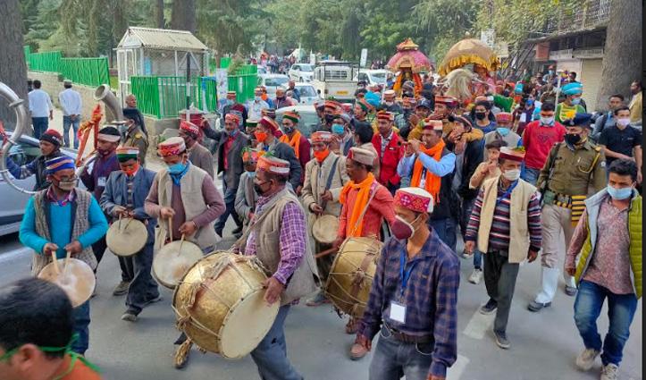 #Kullu_Dussehra उत्सव के दूसरे दिन शान से निकली भगवान नरसिंह की जलेब