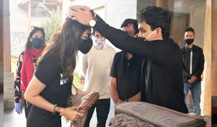 हंगामा-2 फिल्म की शूटिंग के लिए शिल्पा शैट्टी, परेश रावल सहित पूरी यूनिट पहुंची Manali