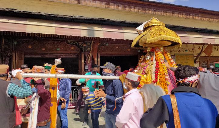 देवता नाग धूंबल ने भगवान रघुनाथ के समक्ष लगाई हाजिरी, #Dussehra में ना बुलाने पर जताई नाराजगी