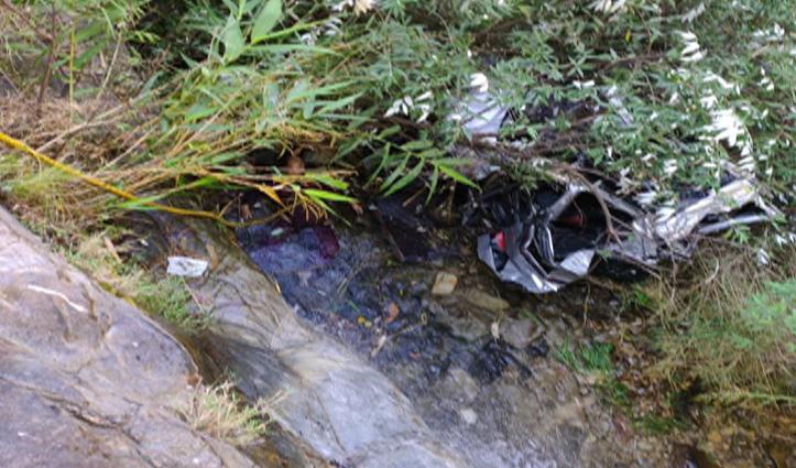 Himachal में सड़क हादसाः खाई में गिरी Car-महिला की गई जान, 3 घायल