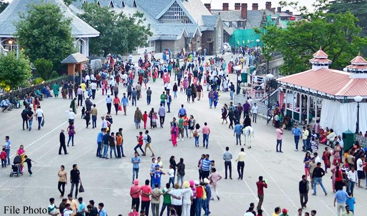Shimla में उमड़ी सैलानियों की भीड़, 24 घंटे में 6000 वाहनों ने राजधानी में मारी एंट्री