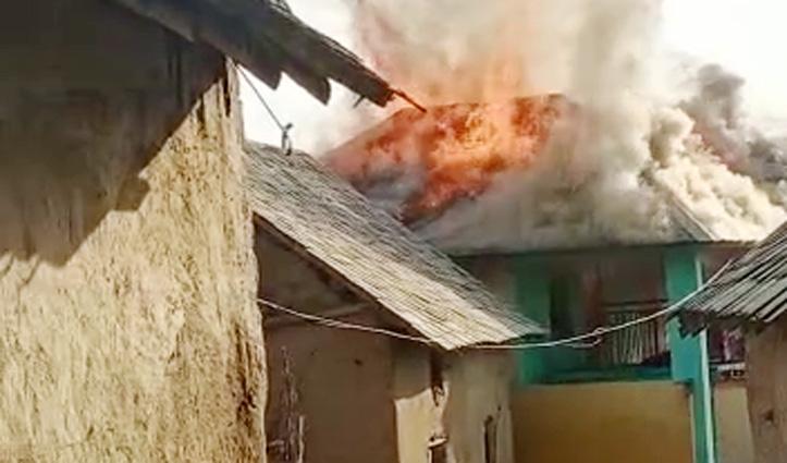 Sujanpur के सीडी गांव में जला गरीब परिवार की महिला का आशियाना