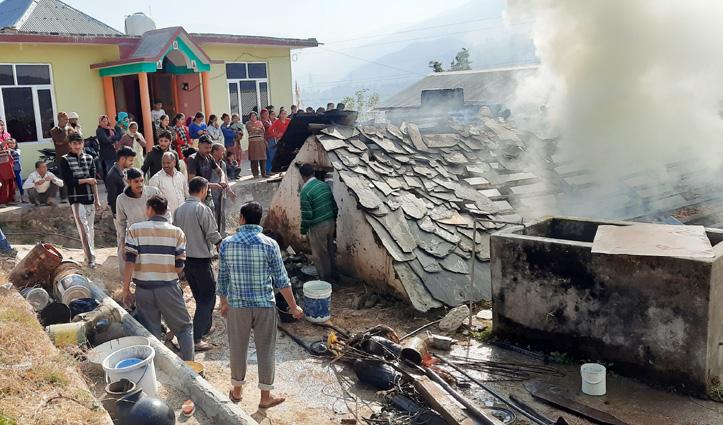 #Diwali से पहले जलकर राख हुआ नया बना घर, लाखों का नुकसान