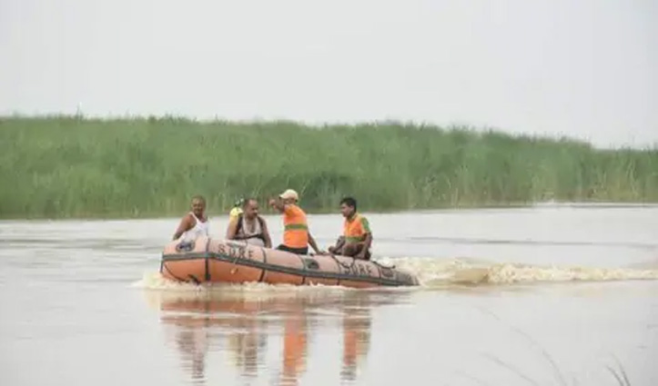 125 लोगों से भरी नाव #Ganga में पलटी: 15 बचाए गए, 5 की मौत; 100 लापता