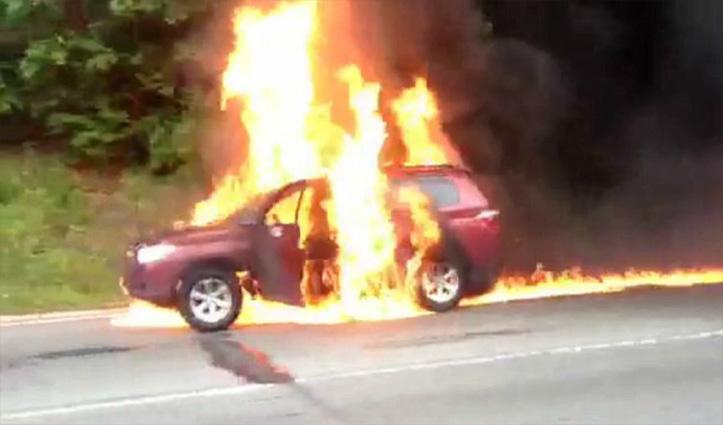 तीन लोगों ने पेट्रोल छिड़ककर Car को लगाई आग, जान से मारने की दी धमकी