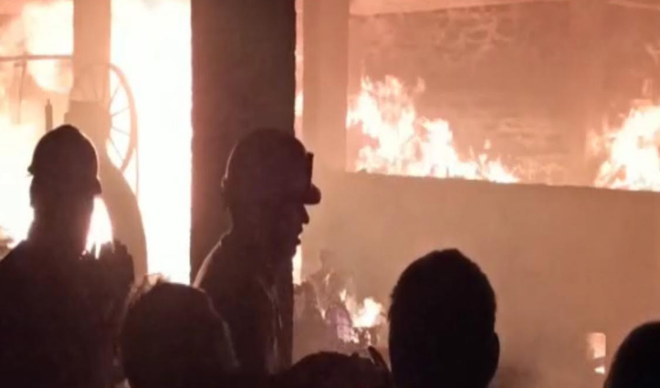 Manali के वशिष्ट में जला दो भाइयों का मकान, लाखों का नुकसान