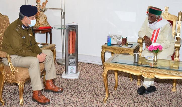 राज्यपाल से मिले DGP, दिया न्यौता