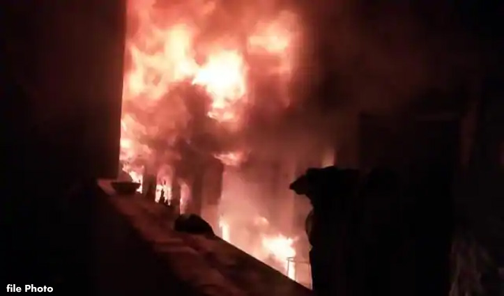 Mandi: रात को जिस घर में मनाई थी Diwali, सुबह धूं धूं कर जला; पहने कपड़ों के अलावा कुछ नहीं बचा