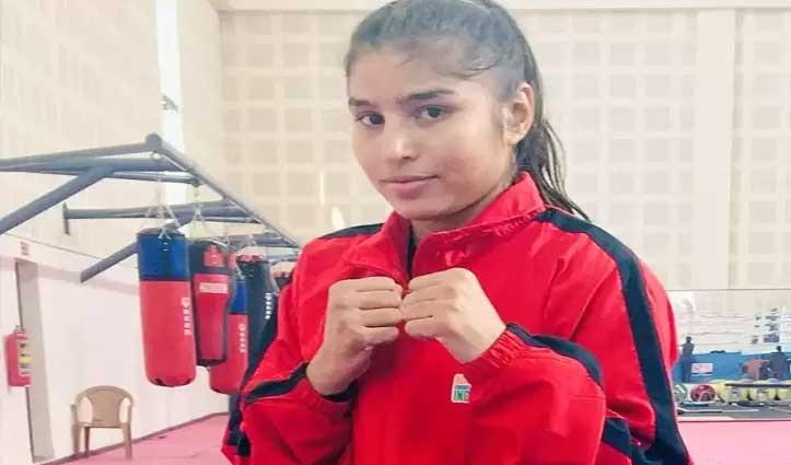 विश्व की नंबर दो #Boxer बनी हरियाणा की Manju, पेड़ से पंचिंग बैग बांध करती हैं Practice