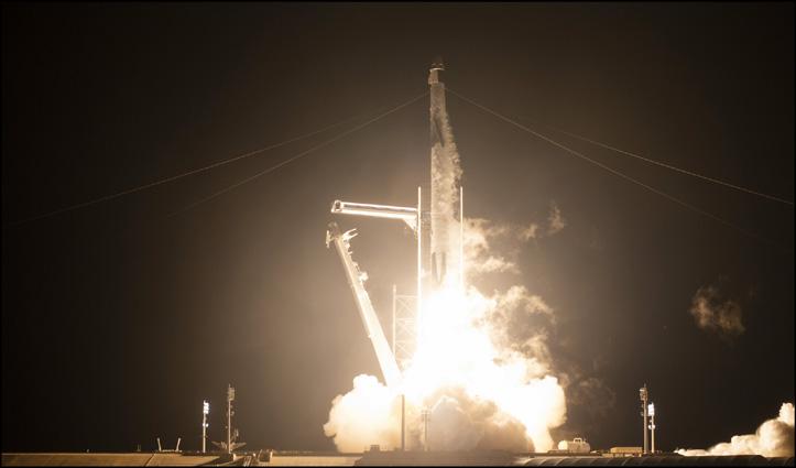 #NASA ने #SpaceX के साथ मिलकर International Space Center पर भेजे चार अंतरिक्ष यात्री