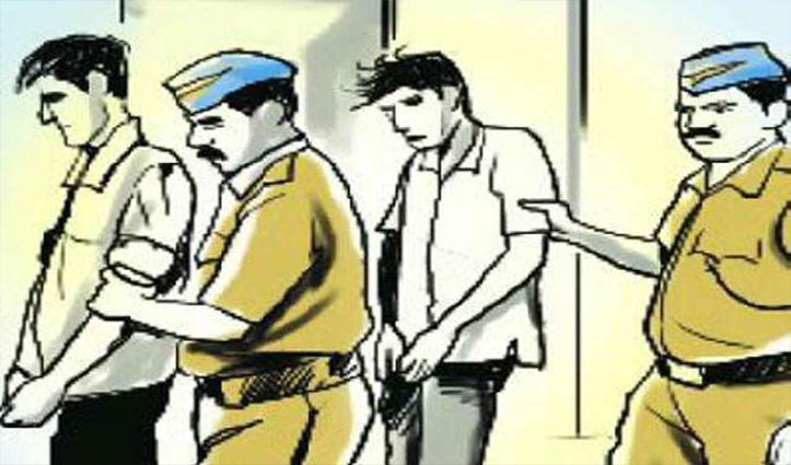 शिक्षा मंत्री और #CMJaiRam के बैनर से छेड़छाड़ करने वाले दो व्यक्ति पकड़े, मांगी माफी