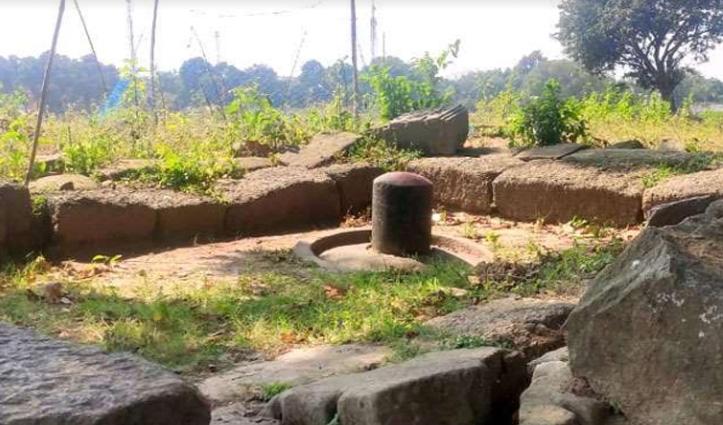 #Jharkhand का ये गांव कहलाता है शिव की नगरी, यहां खेत-खलिहानों में भी मिलते हैं शिवलिंग