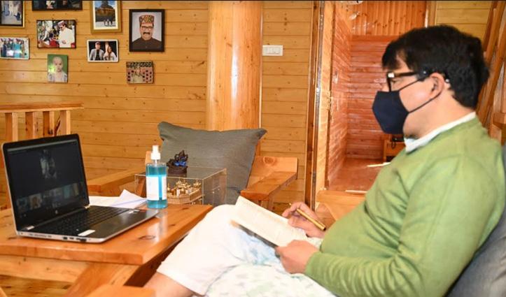 शिक्षा मंत्री की शिक्षकों को सलाह- Corona से बचने को अकेले में अपने घर से बना खाना हीं खाएं