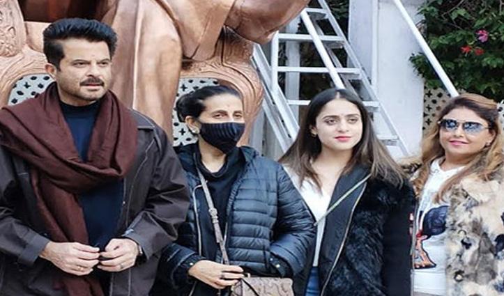 बॉलीवुड स्टार #Anil_Kapoor सोलन में, पत्नी संग मोहन शक्ति हेरिटेज पार्क में की सैर