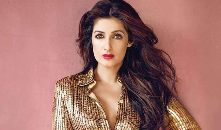 """#Akshay_Kumar की पत्नी को ट्रोलर ने कहा """"ट्विंक बम"""" तो Twinkle ने दिया करारा जवाब"""