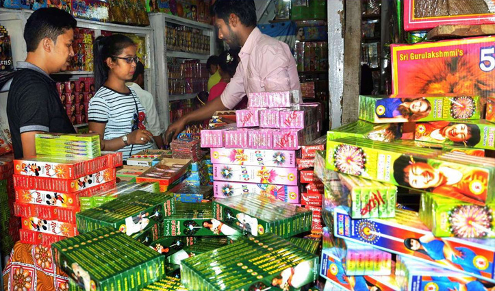 #Uttarakhand: 6 शहरों में बिकेंगे सिर्फ ग्रीन पटाखे, दिवाली पर 2 घंटे जलाने की छूट