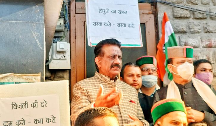 Rathore ने कसा तंज- जनता के पैसों पर अय्याशी कर रहे हैं Jairam के मंत्री