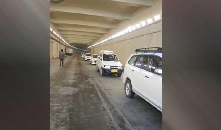 #Atal_Tunnel Rohtang से आज एक दिन में गुजरे 5,000 से अधिक वाहन, बना रिकॉर्ड