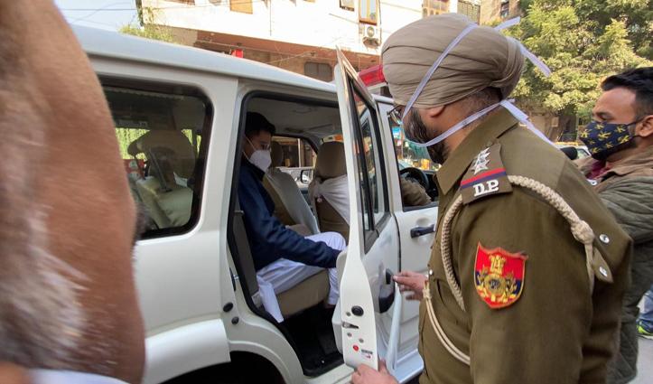 #NDMC_Scam: गृहमंत्री के आवास पर प्रदर्शन करने जा रहे थे AAP के 5 MLA,दिल्ली पुलिस ने हिरासत में लिए